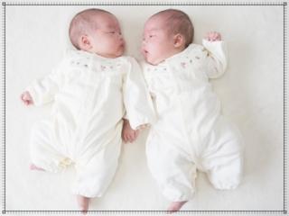 双子の赤ちゃん,子供画像