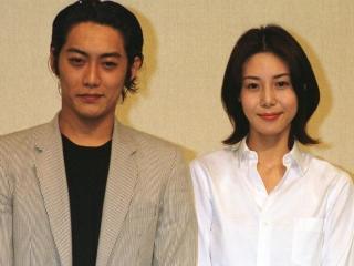 反町隆史と松嶋菜々子の結婚会見画像