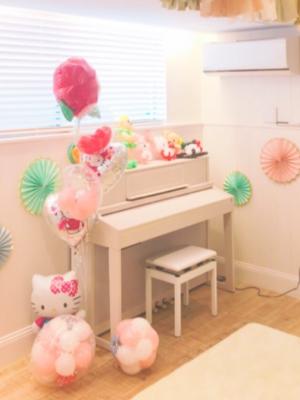井ノ原快彦と瀬戸朝香の子供(長女)のピアノ画像